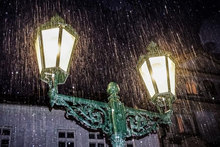 "HEAVEY RAIN : Prague Limited edition  1/10 30""x 20"" - Image 0"
