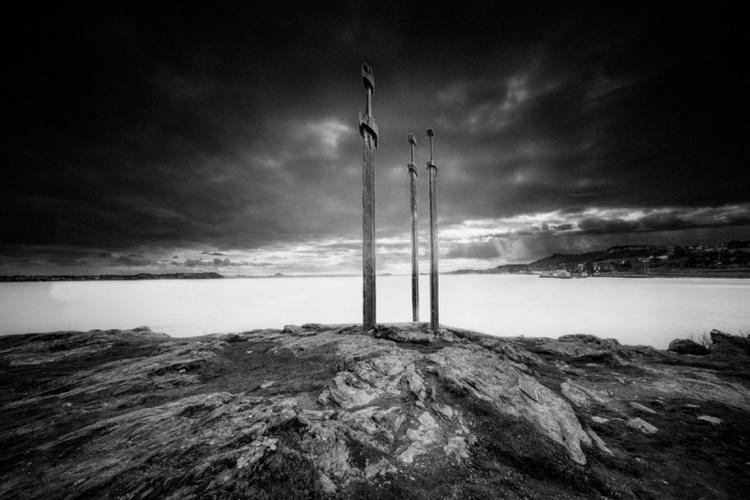 Sverd i fjell - Image 0