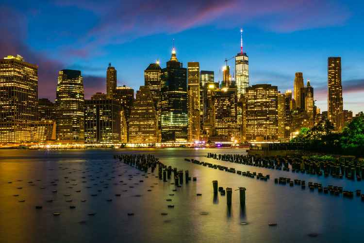 New York, Manhattan skyline sunset