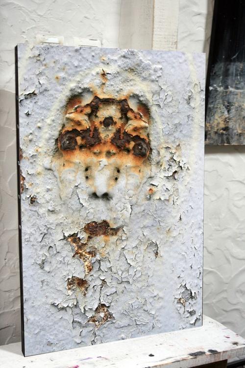 WOW MASTER KLOSKA UNIQUE URBAN EXPLORATION PROJECT UNIQUE ONIRIC ART HUMAN FACE EXPRESSIVITY FOUND ART ABOUT PERENNITY - Image 0
