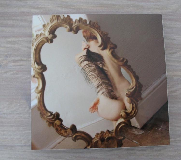 Nude with Feather on Aluminium Dibond - Image 0