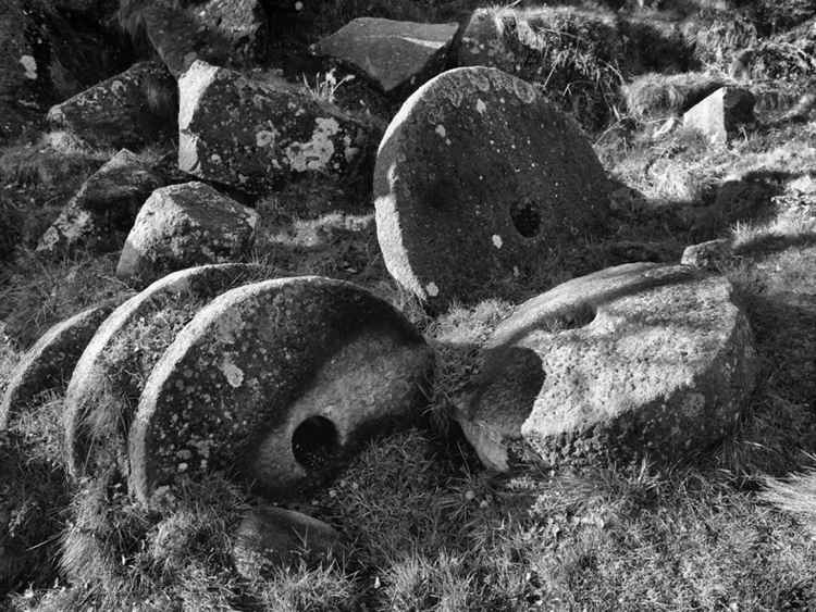 Millstones - Padley Gorge Peak District National Park . -