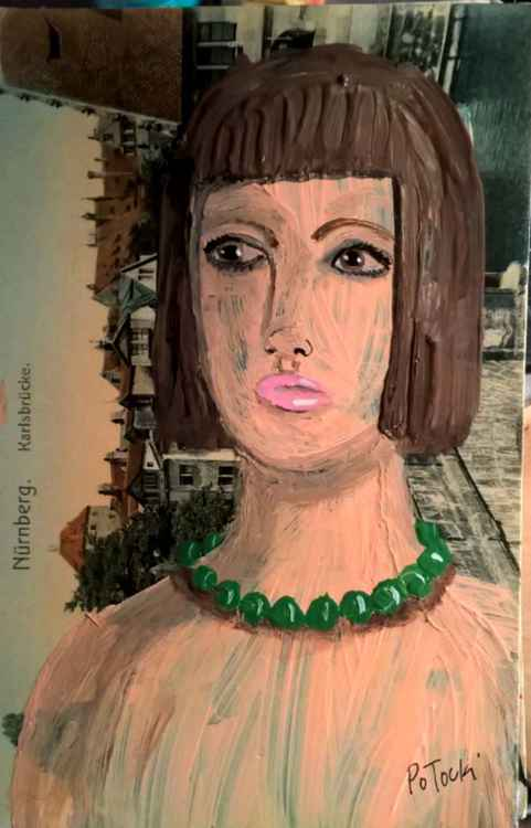 Green Bead Necklace Lady -