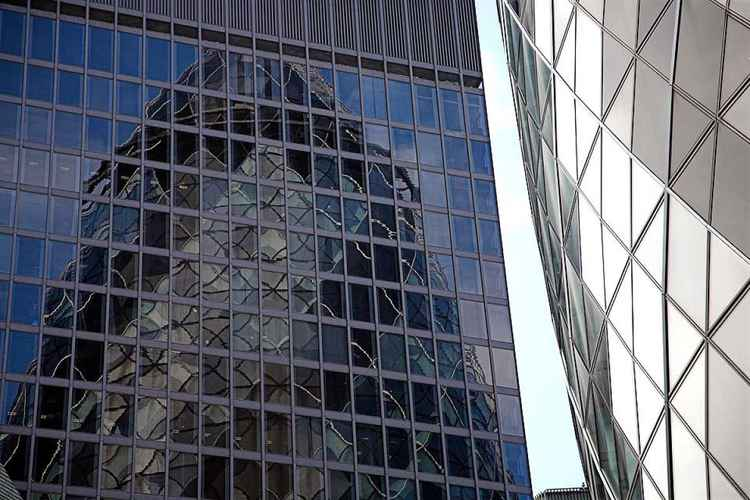 Swiss Re Building Reflected