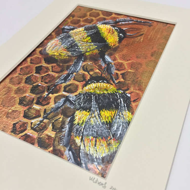 Bumbles on honeycomb - Image 0