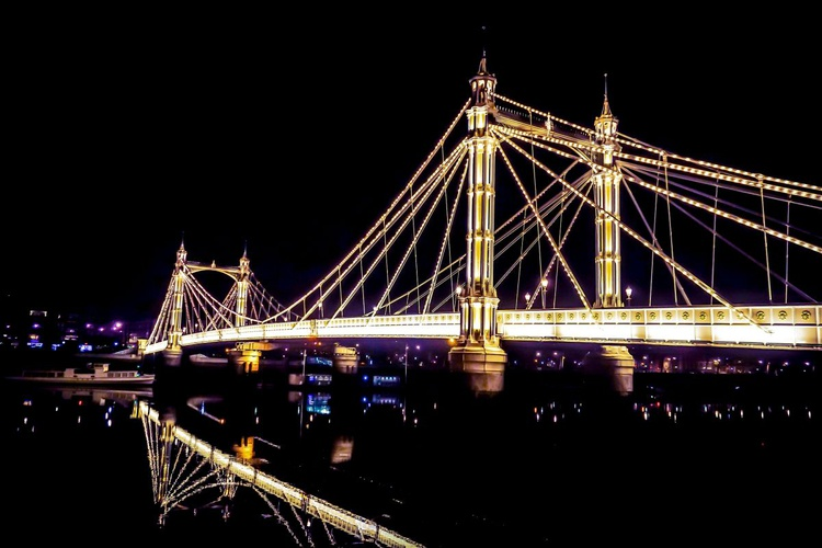 "Albert bridge BOLD (Limited edition  1/20) 30""X20"" - Image 0"