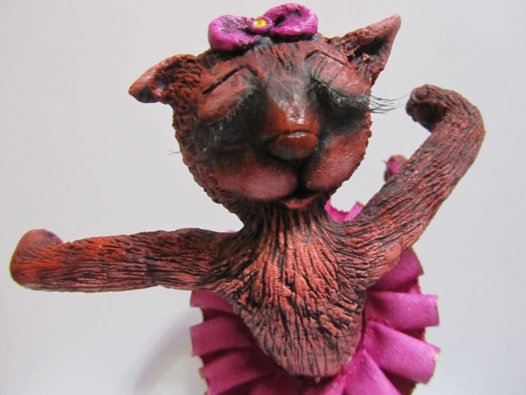 "The sculpture ""Cat Ballerina"" - Image 0"