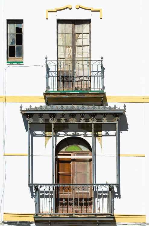 2 Balconies -