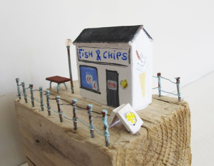Driftwood fish and chip shop on the pier - Image 0