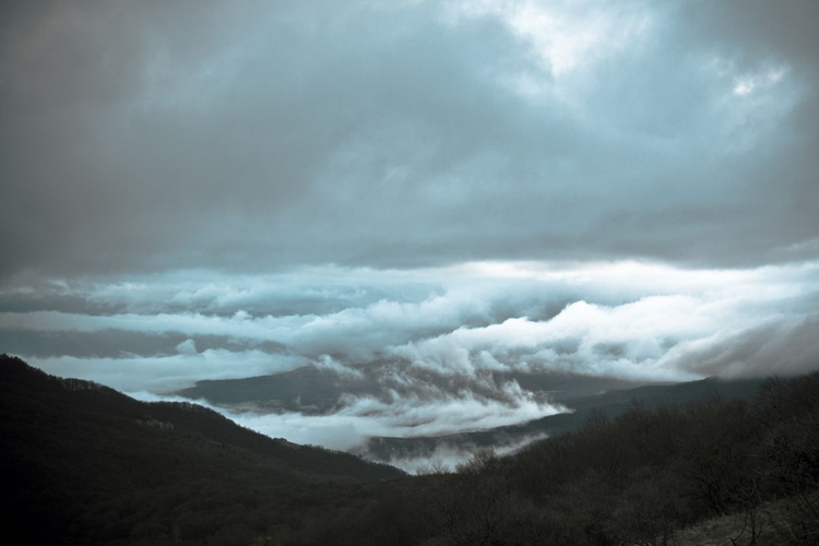 Сlouds over a mountain valley. - Image 0