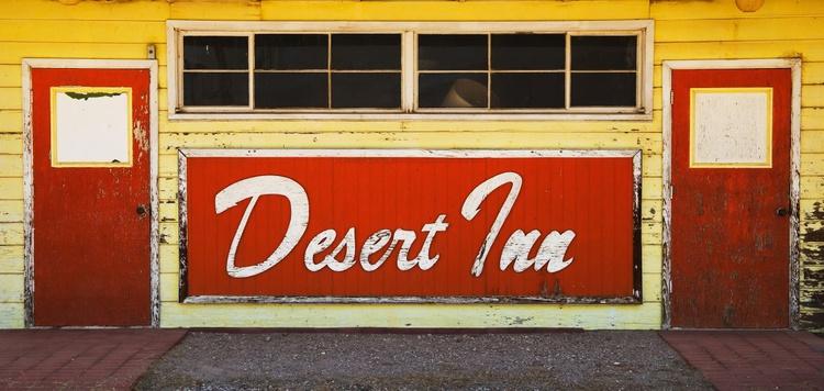 Desert Inn. (152x76cm) - Image 0