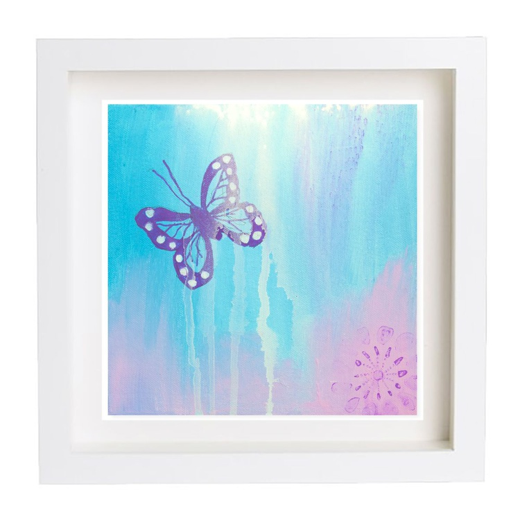 Mini butterfly catching the light - Image 0