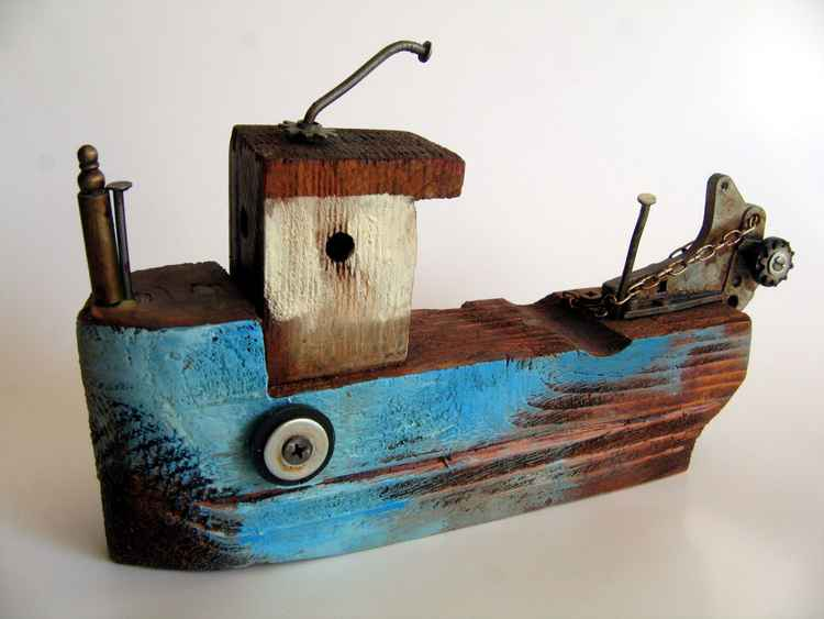 wooden ship -