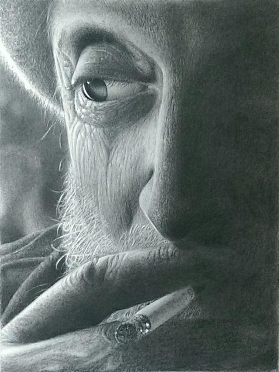 Old man smoking - Image 0