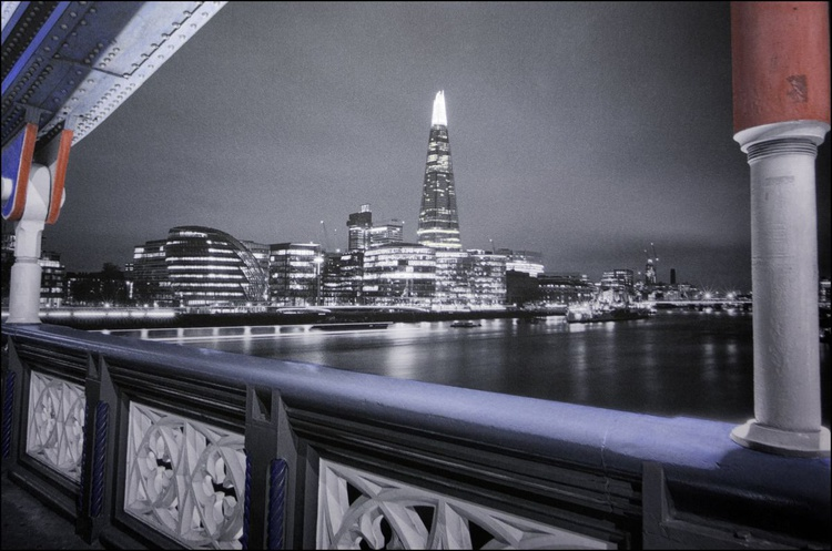 The Shard View from London Bridge - Image 0