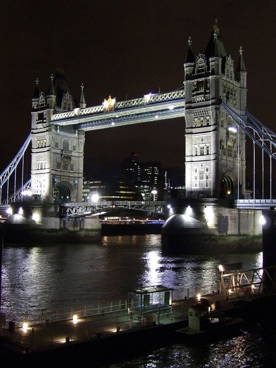 "TOWER BRIDGE NIGHT (Limited edition  1/50) 16""x 12"" - Image 0"