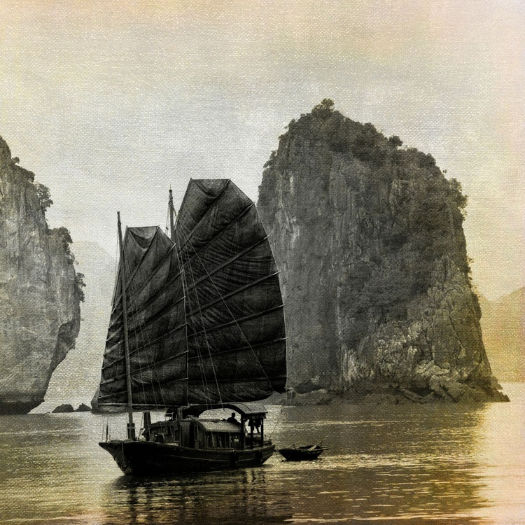 The Junk On Halong Bay - Image 0