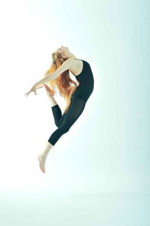 Dancer: Karolina #1 -