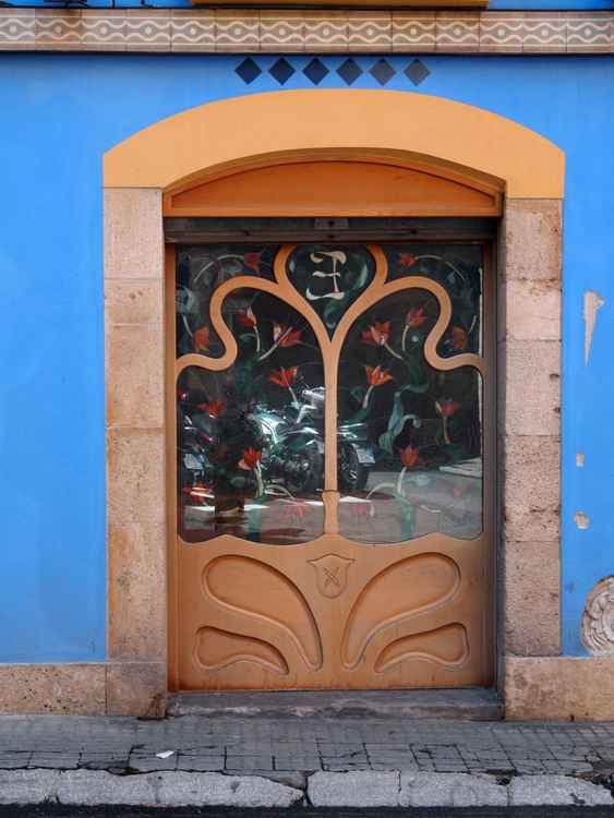 Tarragona door -