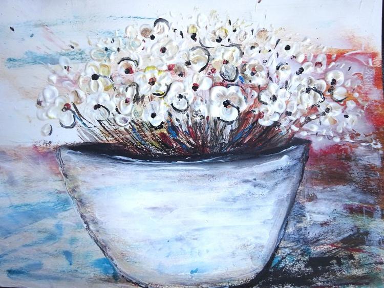 Pot Plant White Flowers - Image 0