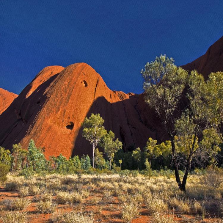 Uluru - Image 0