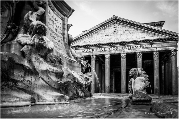 The Pantheon, in Rome - Image 0