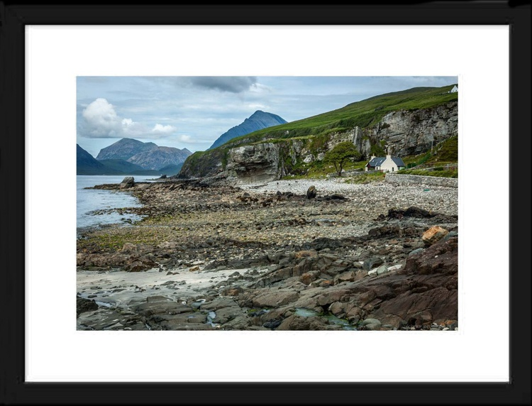 The beach of Elgol - Image 0