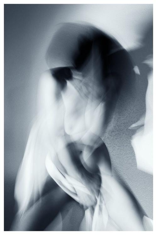 VI.N ROUGE - Image 0