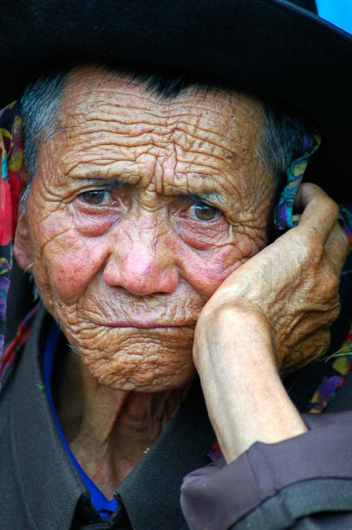 The old chinese man / color - Image 0