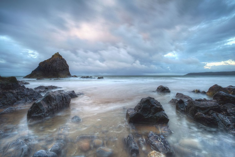 Three Cliffs Bay - Image 0