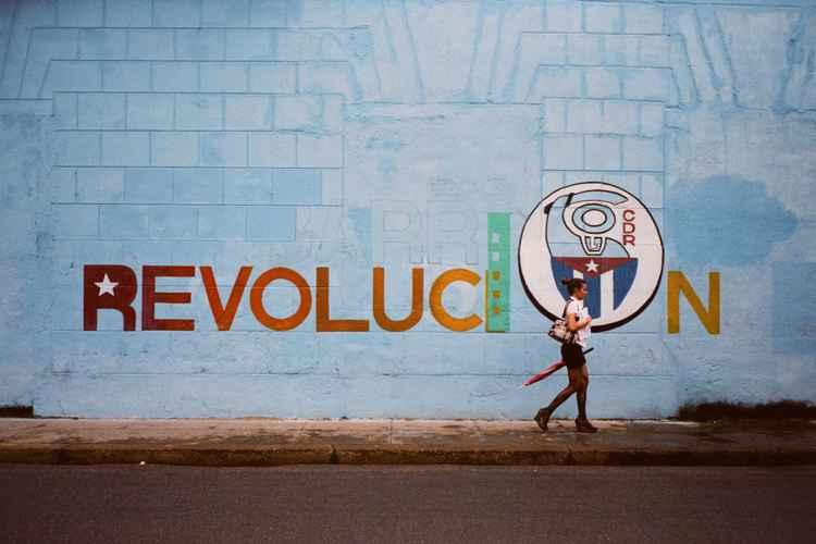 """Cuba """" La Isla aislada"""" #01"""