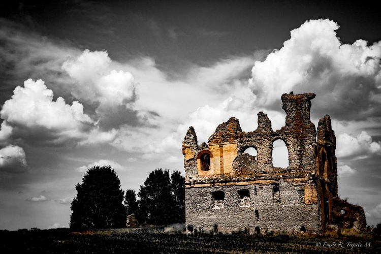 Ruin in the outskirts of Rome. - Image 0