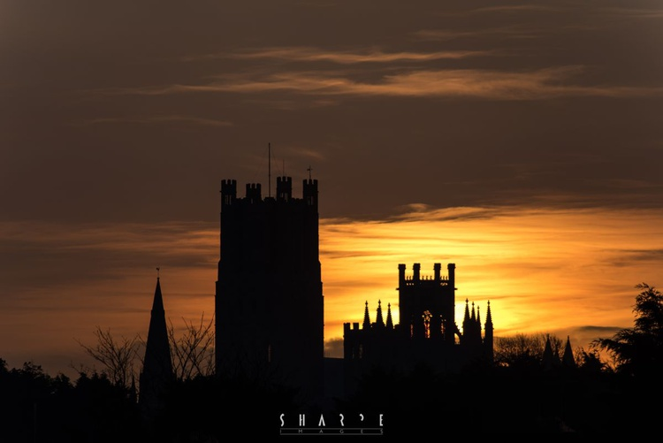 Ely Cathedral at sunrise - Image 0
