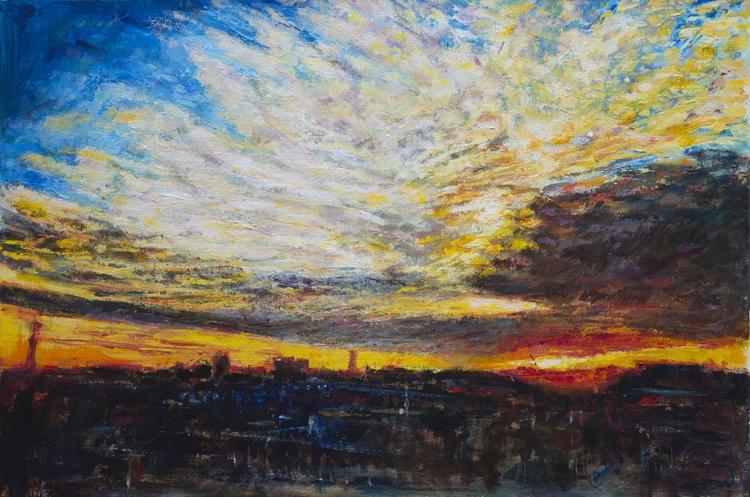 The sun rises over London - Image 0