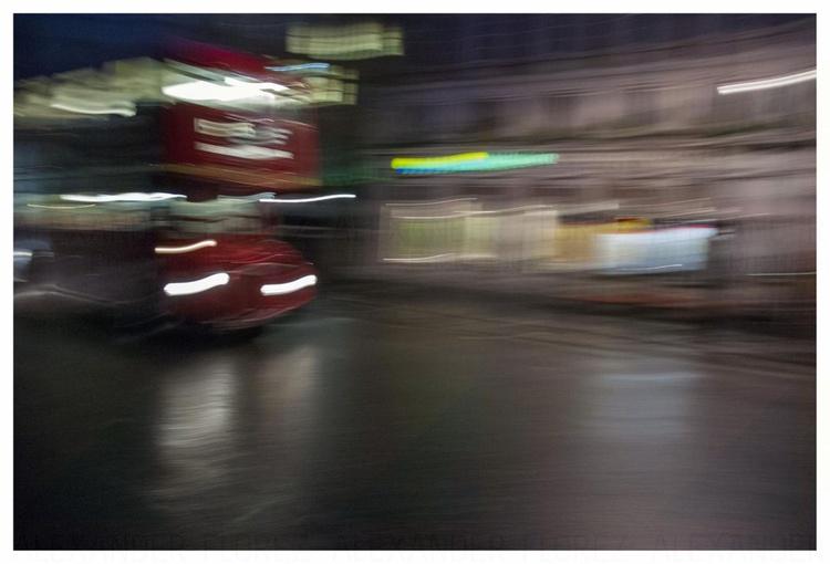 Night 08 London - Image 0