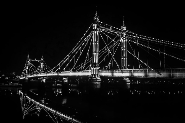 "Albert bridge BLACK & WHITE (Limited edition  3/20) 30""X20"" - Image 0"