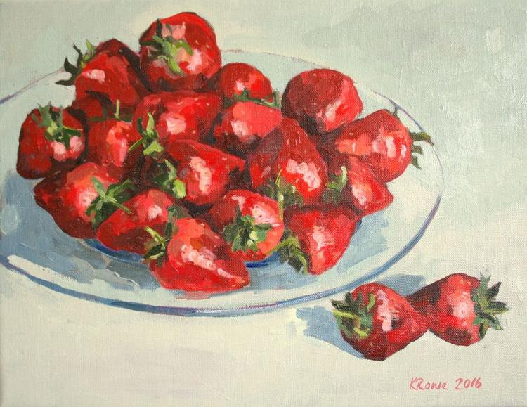 Strawberries on glass dish - Image 0