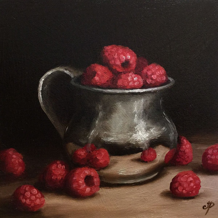 Silver cup with Raspberries - Image 0