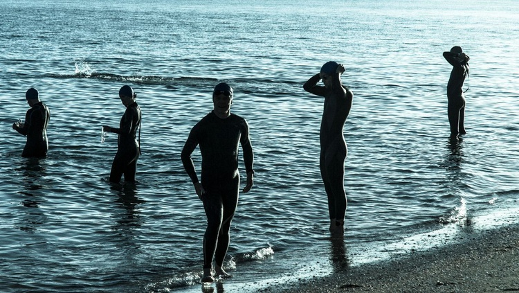 SWIMMERS - Image 0