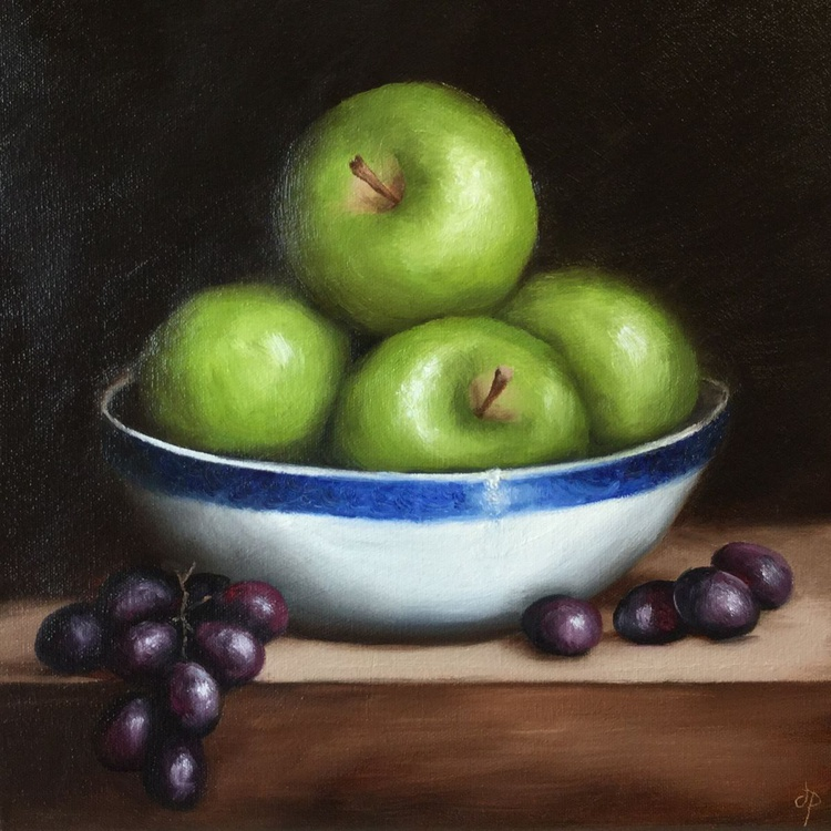 Apple bowl, ready to hang - Image 0