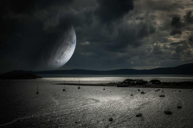 The strange night / paper - Image 0