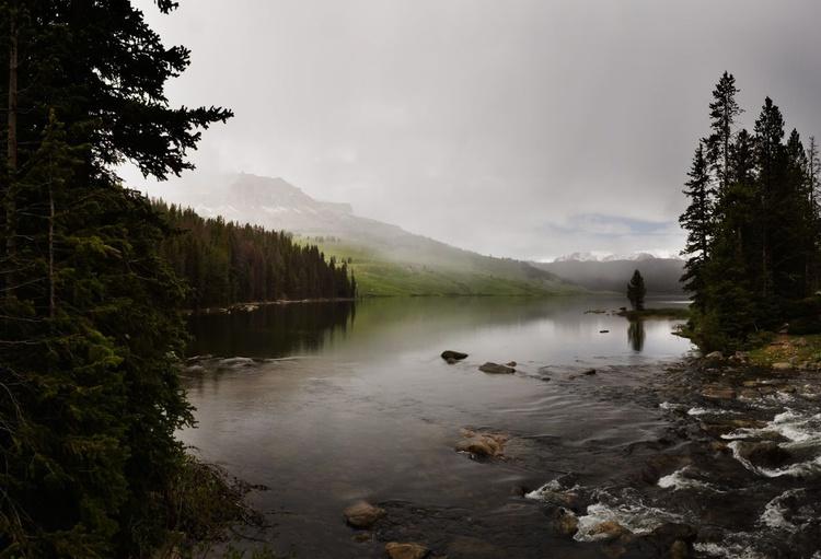 Mystic Beartooth Lake. (119x84cm) - Image 0