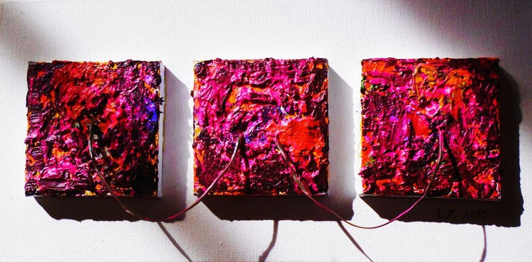 Triptych with wire - Image 0
