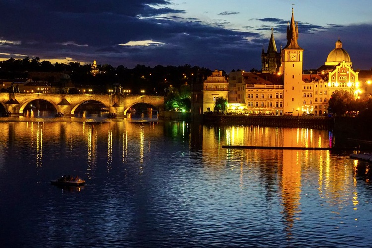 """Prague at night 2016 Limited edition  1/10 45""""x 30"""" - Image 0"""