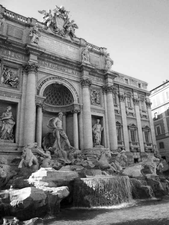 THE TREVI FOUNTAIN - ROME, ITALY