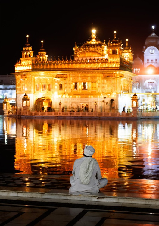 The Golden Temple I (84x119cm) - Image 0