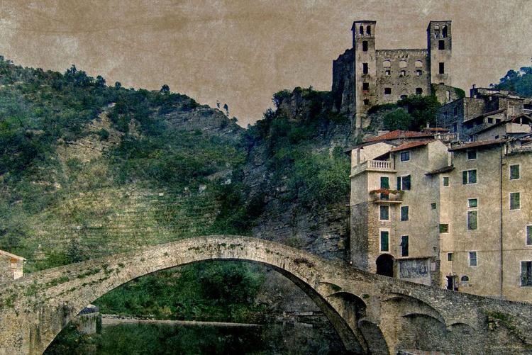 Ponte Vecchio di Dolceacqua - In the footsteps of Claude Monet - Image 0