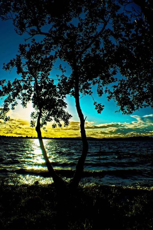 LAKESIDE SUNSET - Image 0