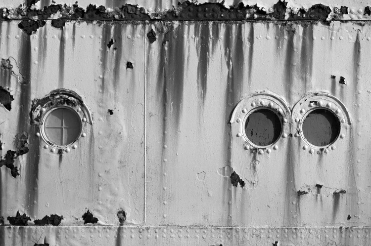 Three Portholes (The Fun Ship 2) - 1/25 - 24x16in Unmounted - Image 0