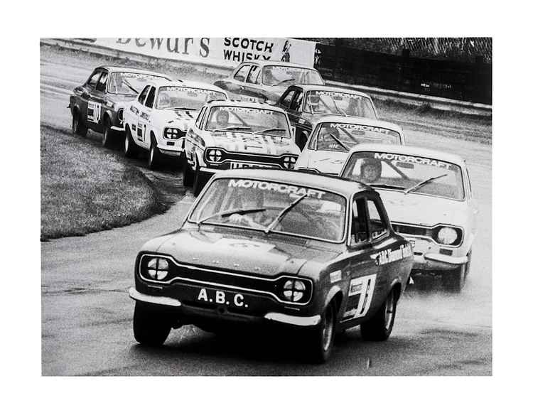 Ford Escort Race, Oulton Park.